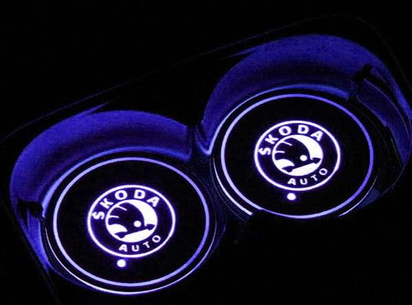podsvetka podstakannikov s logotipom skoda 4
