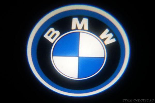 shtatnaya podsvetka dverej s logotipom bmw 10